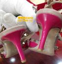 华伦天奴粉色漆皮鞋后跟补伤对比图