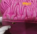 MIU MIU粉色缪缪皮包补洞翻新对比图
