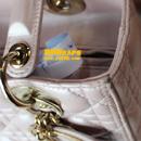 迪奥(DIOR)粉色珠光皮包补伤护理对比图