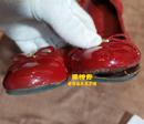 LV漆皮绒面鞋粘胶上色翻新图
